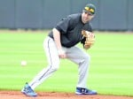 Neil Walker Signs One Year Deal with New York Yankees
