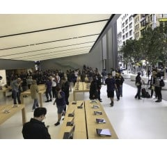 Image for Authorities Charge 17 in Apple Store Robbery Scheme of $1 Million