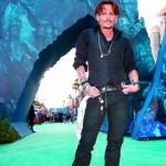 Johnny Depp visits hospital