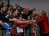 Clinton Wins Big in South Carolina, Holds Super Tuesday Momentum