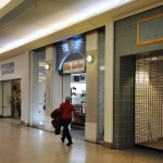 Vacancies in Malls Reached High of Six Years