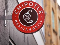 Chipotle Settles Illness Claims Of 100+ Customers
