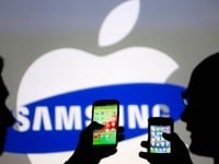 Apple and Samsung Extend Lead in U.S. Smartphone Market