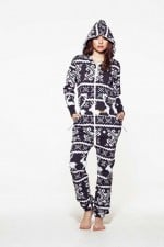 Reasons to Embrace the Onesie Now