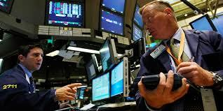 stock traders on the trading floor